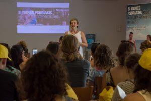 Mónica de la Fuente presentando el evento